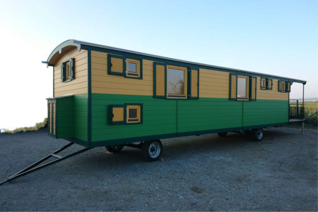 Unterkunftswagen für die Kinder und die Erzieherinnen bzw. Erzieher